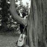 Michel avec un arbre
